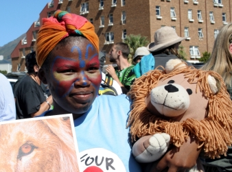 Ban canned lion hunting supporters 3