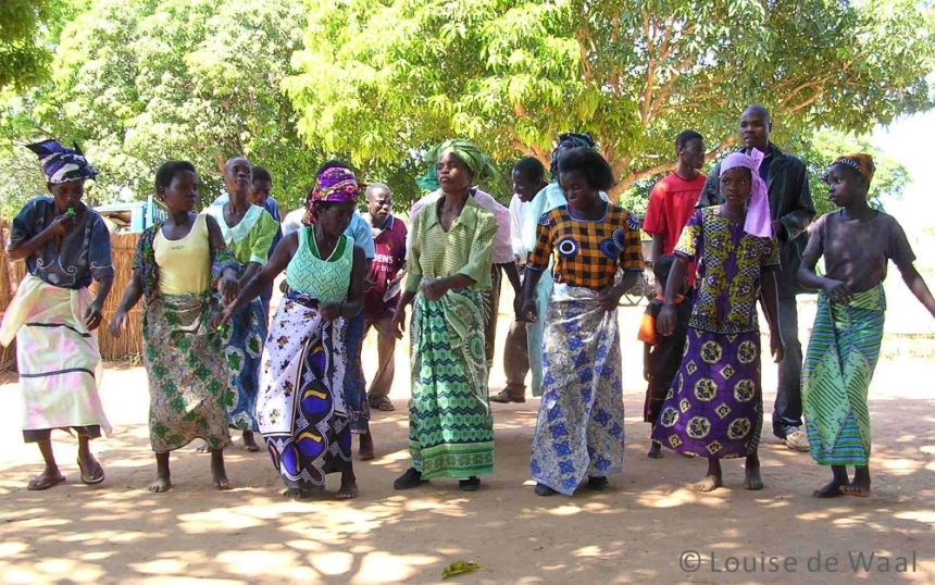 Female dancers in Malawi