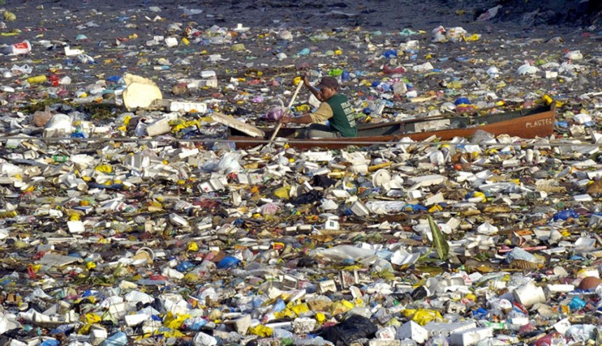 Plastic waste islands in the Pacific