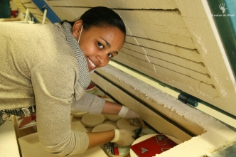 Fanglasstic glass art packing the kiln in Paarl Cape Winelands