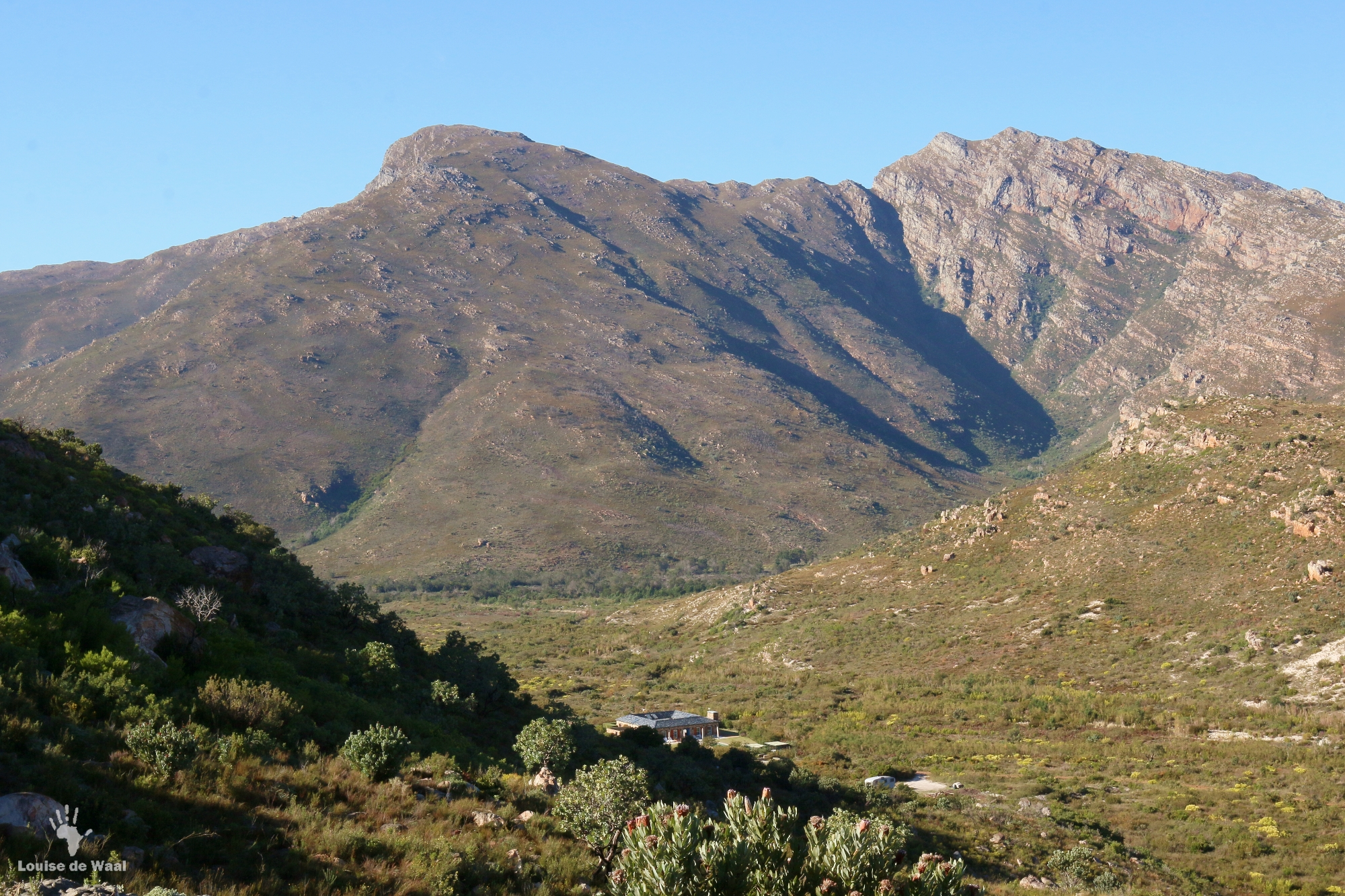 India House in the valley of Bastiaanskloof Reserve, Limietberg Mountains.